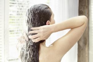 verano Hazle un detoz a tu cabello shampoo